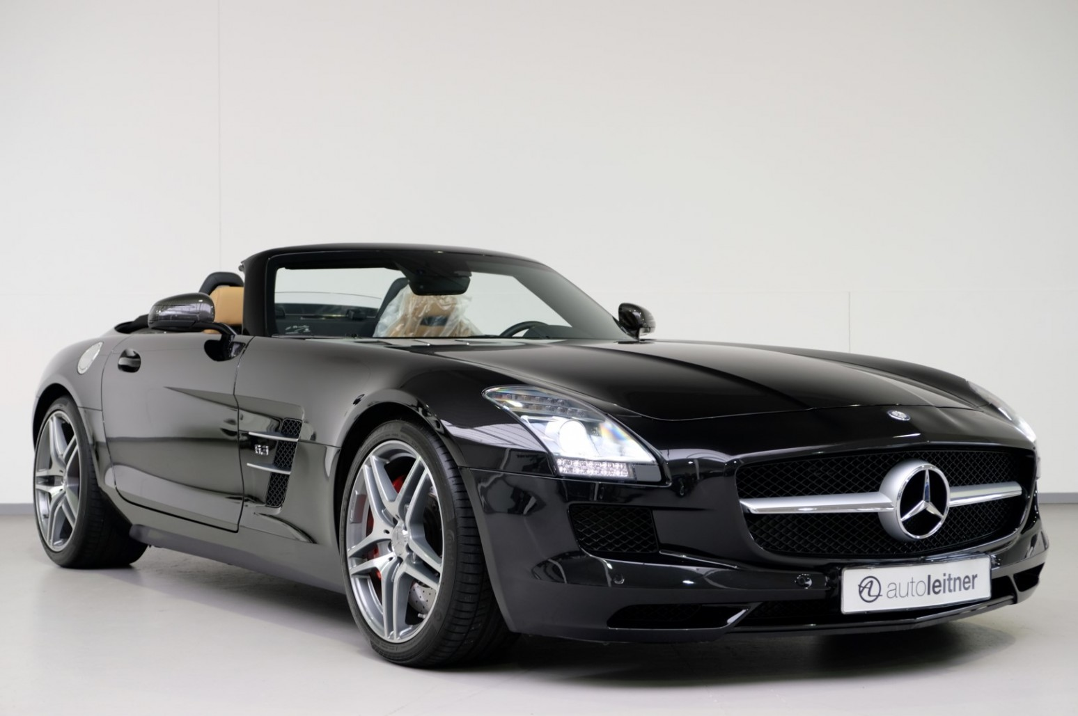 2012 mercedes sls 6 3 amg roadster obsidianzwart metallic. Black Bedroom Furniture Sets. Home Design Ideas