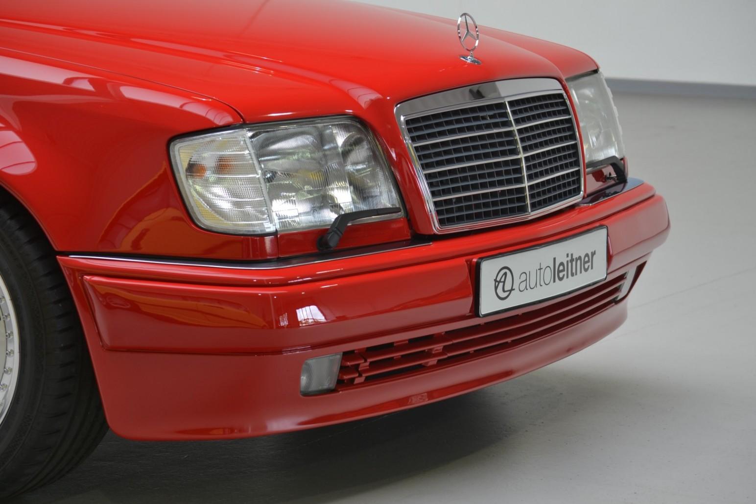 Rarita na predaj - 24-ročný Mercedes E 60 AMG W124 za 149 500 €!